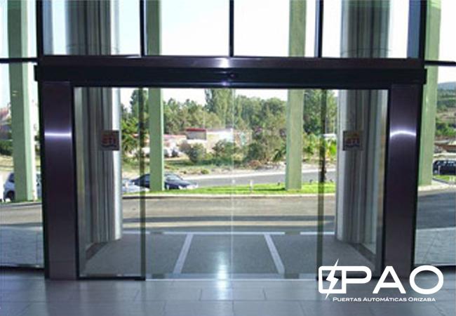 Pao i puertas comerciales autom ticas for Puertas correderas que se esconden